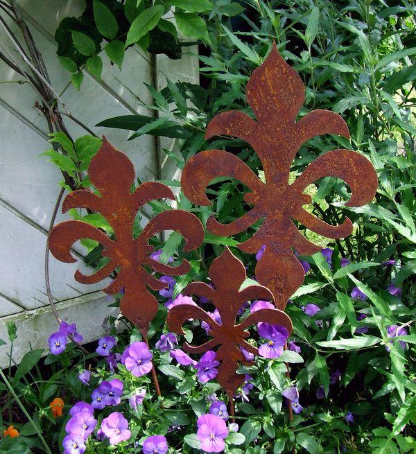 toskana lilie gartenstecker stele stecker metall edel. Black Bedroom Furniture Sets. Home Design Ideas