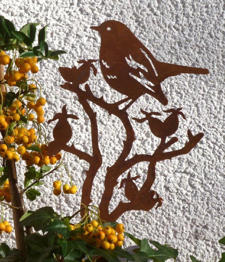 kleiner Vogel im Hagebuttenast Stecker für Blumentopf Herbstdeko Metall Edelrost